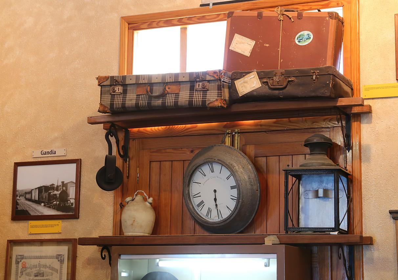 Alcoy-Gandia railway museum (Associació Tren Alcoi Gandia ), Almoines