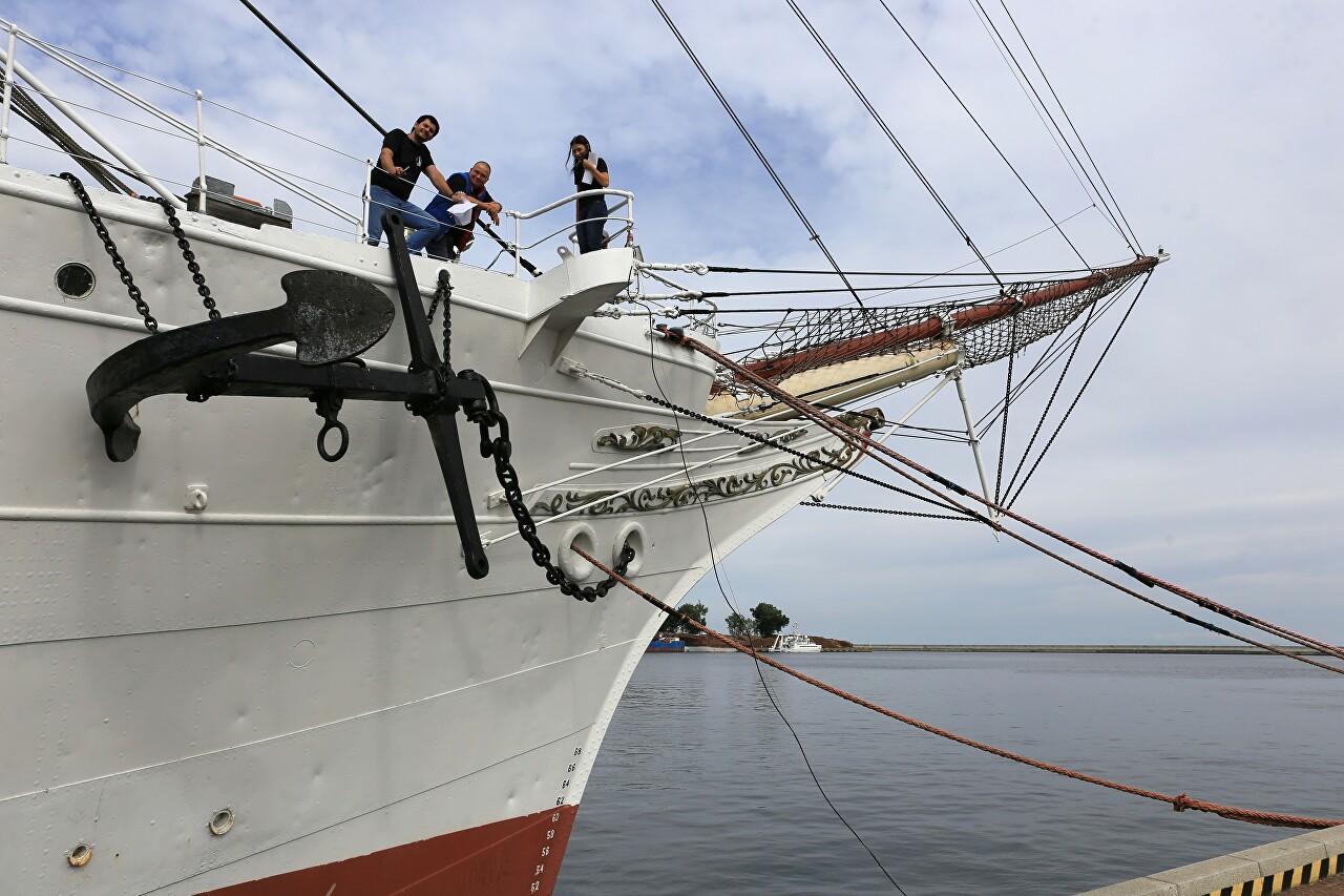 Dar Pomorza sailing ship, Gdynia