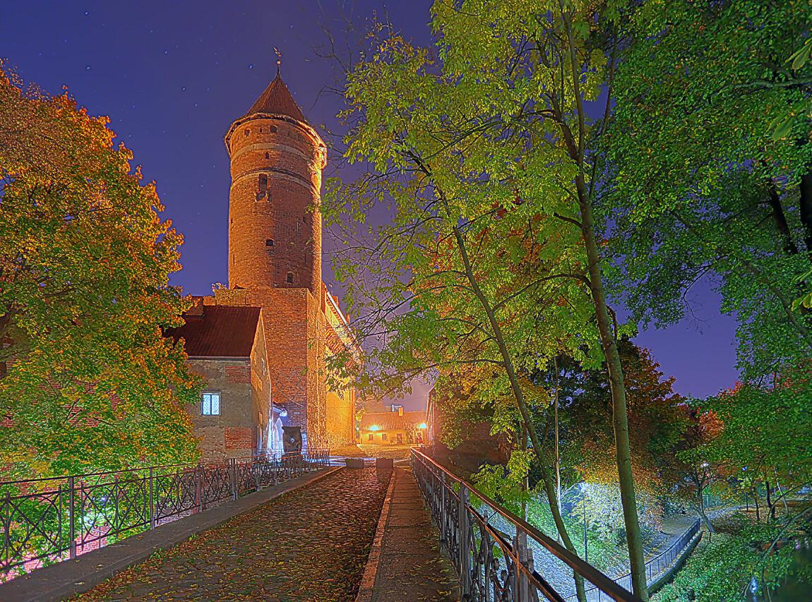 Ночной Ольштын. Осень. HDR